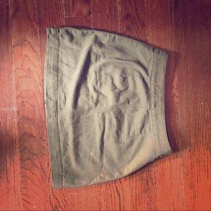 H&M green skirt
